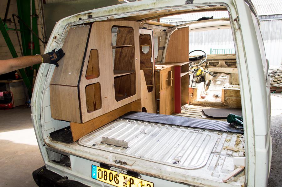 et on continue le d montage. Black Bedroom Furniture Sets. Home Design Ideas